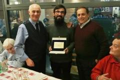 Premiazione con targa a Don Simone Marani IU2BFT